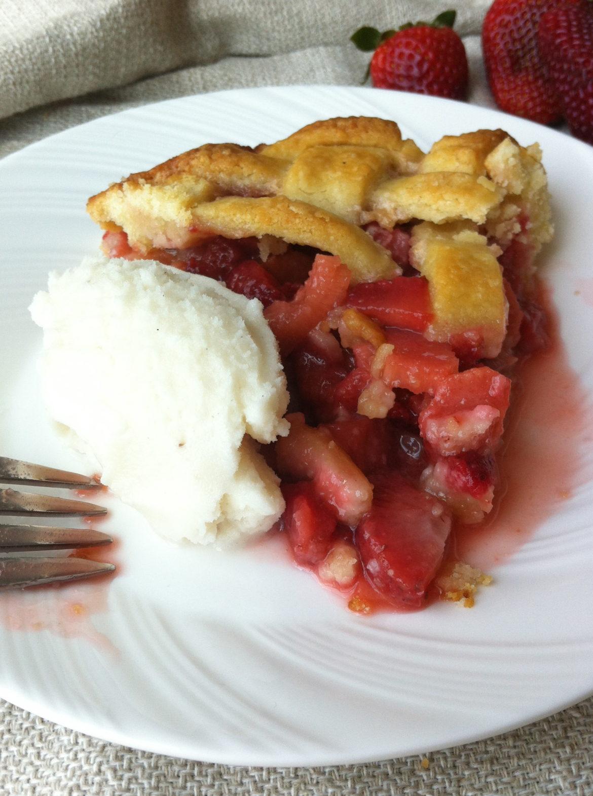 Old-fashioned Strawberry Rhubarb Pie