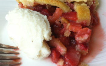 Old-fashioned Strawberry Rhubarb Pie