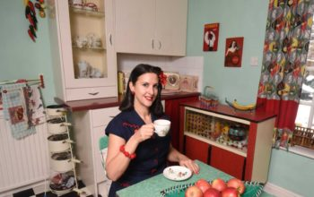 Day in the Life of '50s Housewife
