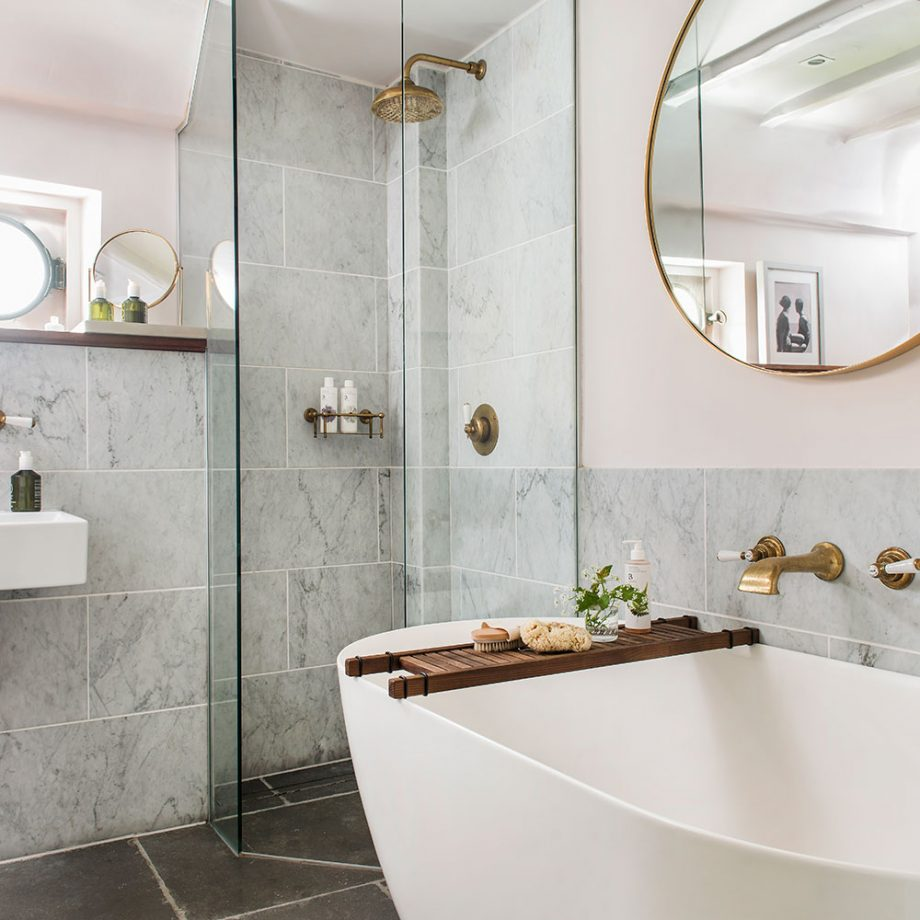 Small Bathroom Design Makes A Big Difference - The Modern ... on Ideas For Small Bathrooms  id=42647